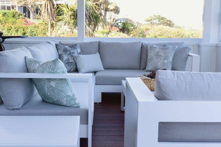 white outdoor furniture beachy
